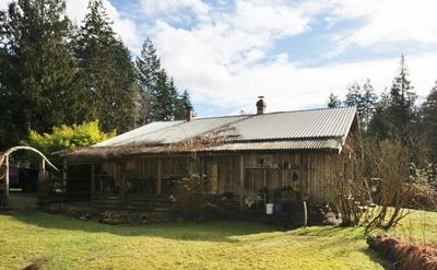 Sunshine Coast Hobby Farm for sale: 3+ 1,800 sq.ft. (Listed 2018-10-10)