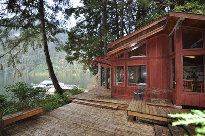 Sunshine Coast Oceanfront Cabin with Loft for sale:   637 sq.ft. (Listed 2018-10-09)