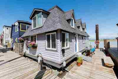 Ladner Rural Float Home for sale: Ladner Reach Marina 1 bdrm,den,flex rm  Stainless Steel Appliances, Tile Backsplash 1,114 sq.ft. (Listed 2021-03-18)