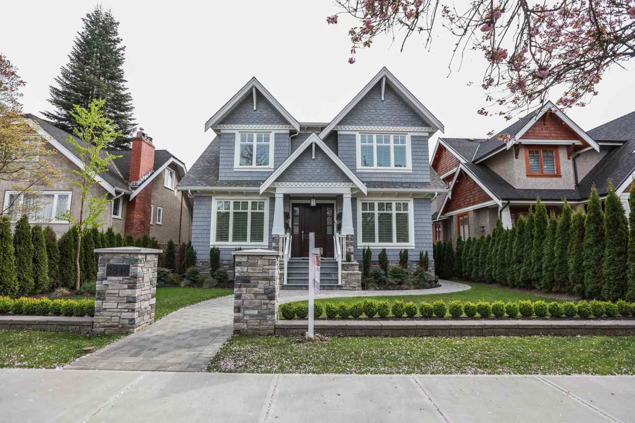 MacKenzie Heights House for sale:  6 bedroom 4,651 sq.ft. (Listed 2016-04-25)