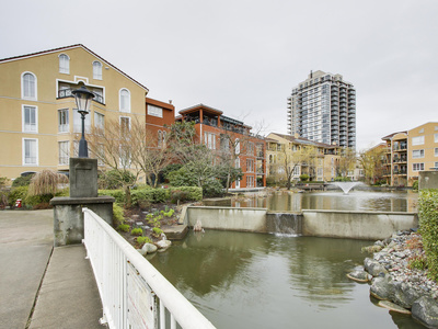 Quay Condo for sale: THE LIDO 2 bedroom 965 sq.ft. - 316 3 Renaissance Square, New Westminster, BC, V3M 6K4