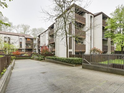 Fairview Condo for sale: FRASER MEWS 2 bedroom 834 sq.ft. - 415 365 Ginger Drive, New Westminster, BC, V3L 5L5