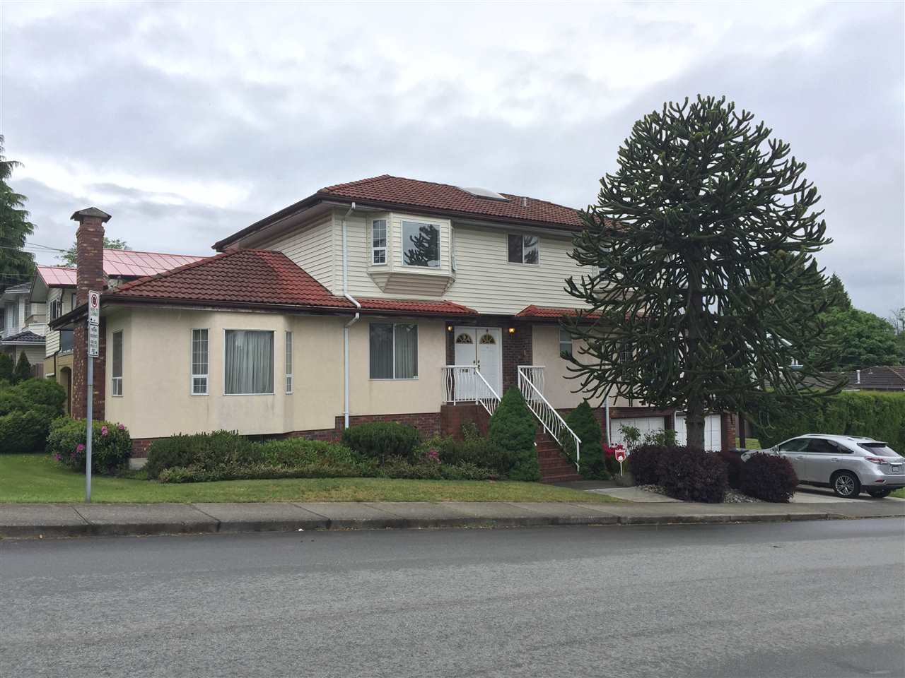Burnaby Hospital House for sale:  5 bedroom 3,293 sq.ft. (Listed 2017-06-03)