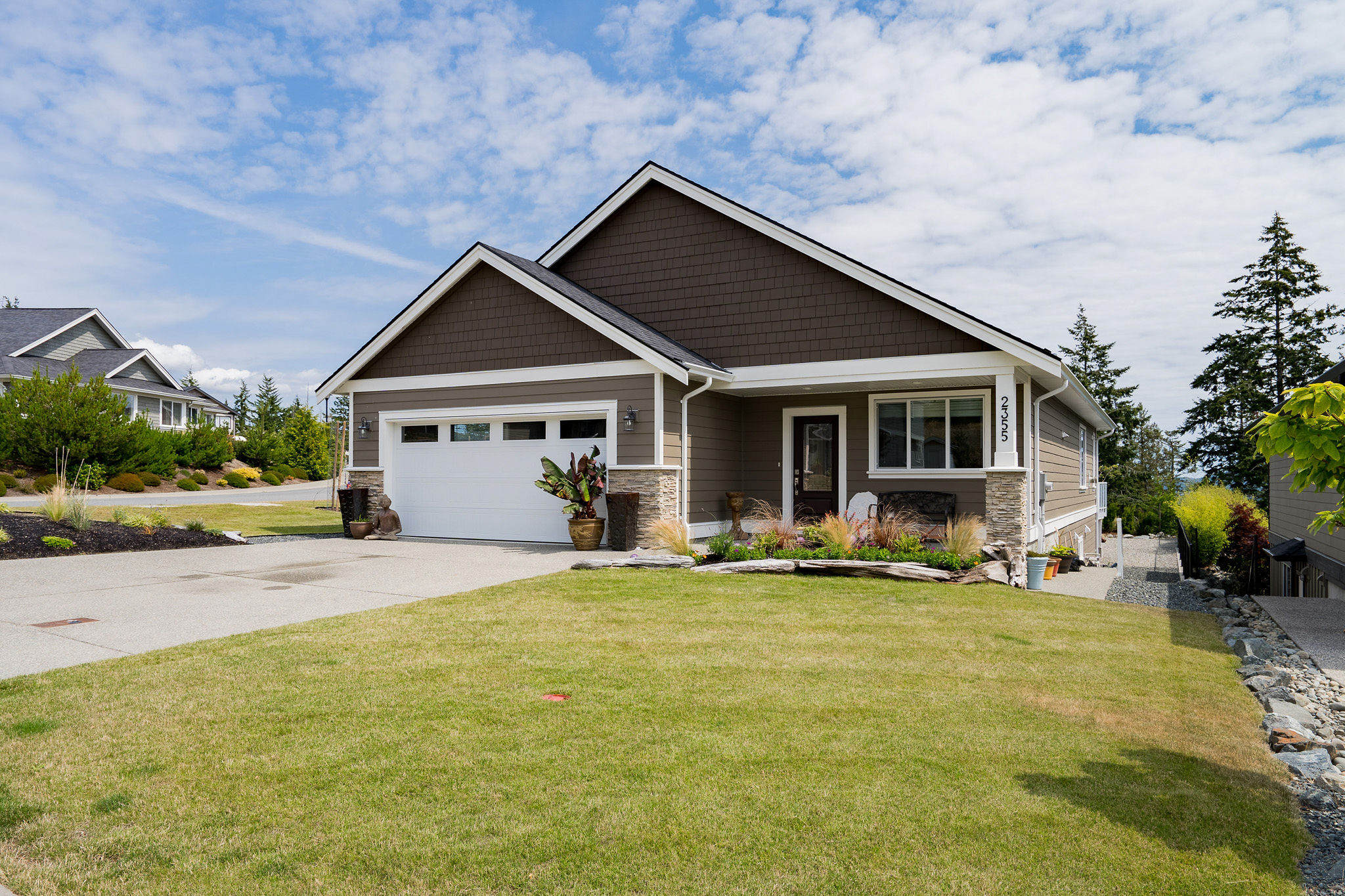 Gorgeous One-Level Ocean View Nearly-new Home in Stone Ridge Estates, Sooke!