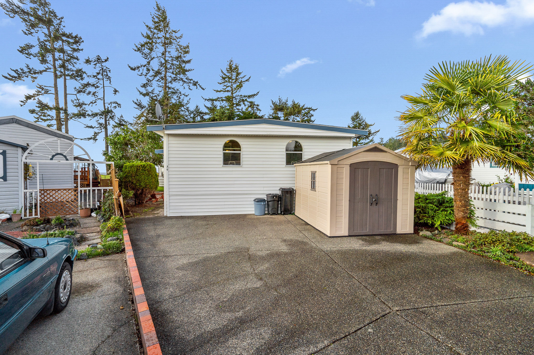 Affordable Seaside Living in Sooke - Waterfront Location - Tidy 2 bedroom manufactured Home $374,000