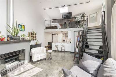 Downtown VE Condo for sale:  1 bedroom 618 sq.ft. (Listed 2019-07-17)