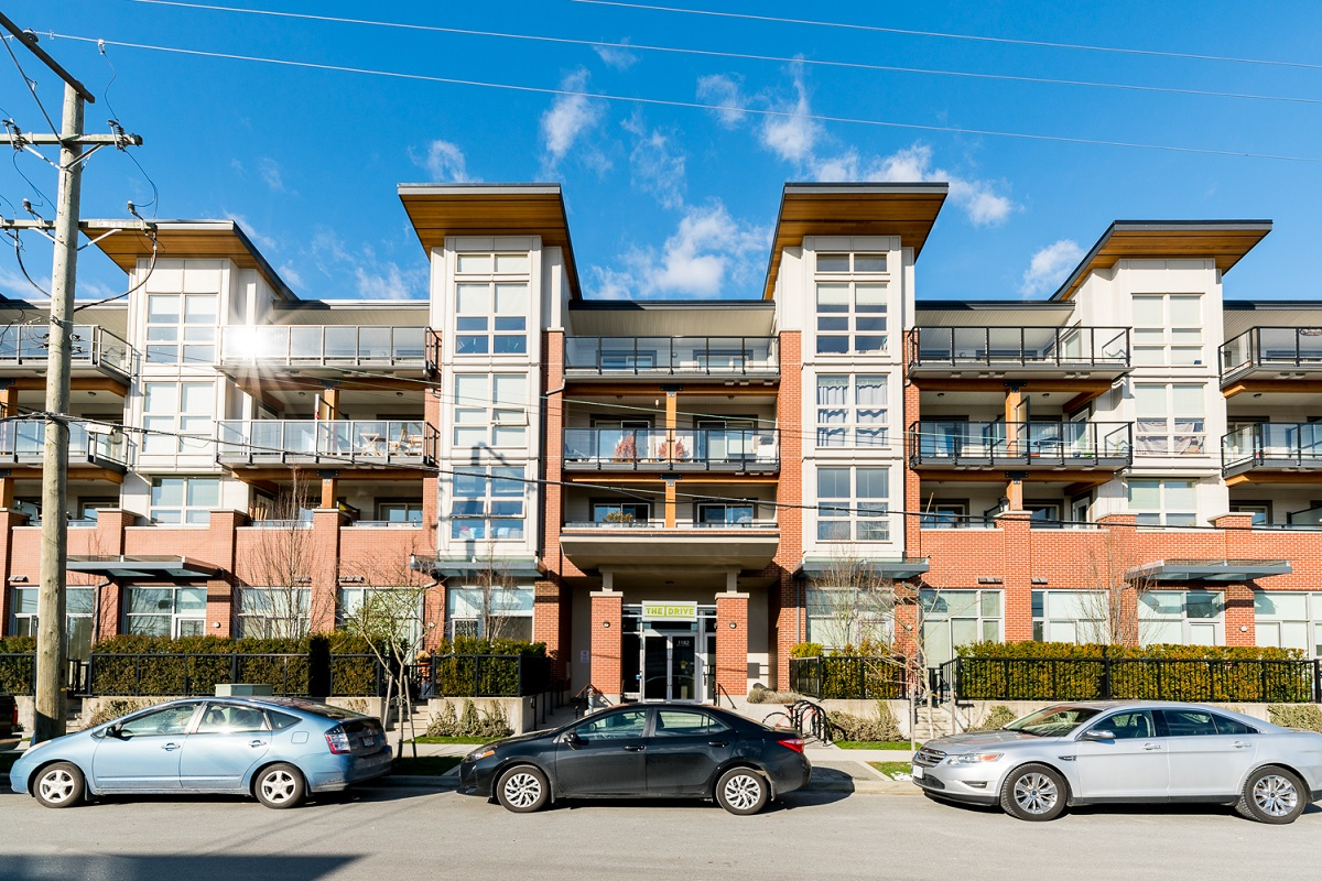 Norgate Condo for sale: THE DRIVE 1 bedroom 680 sq.ft. (Listed 2018-02-20)