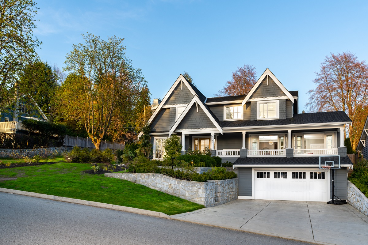 Upper Lonsdale House for sale:  6 bedroom 5,094 sq.ft. (Listed 2018-04-25)