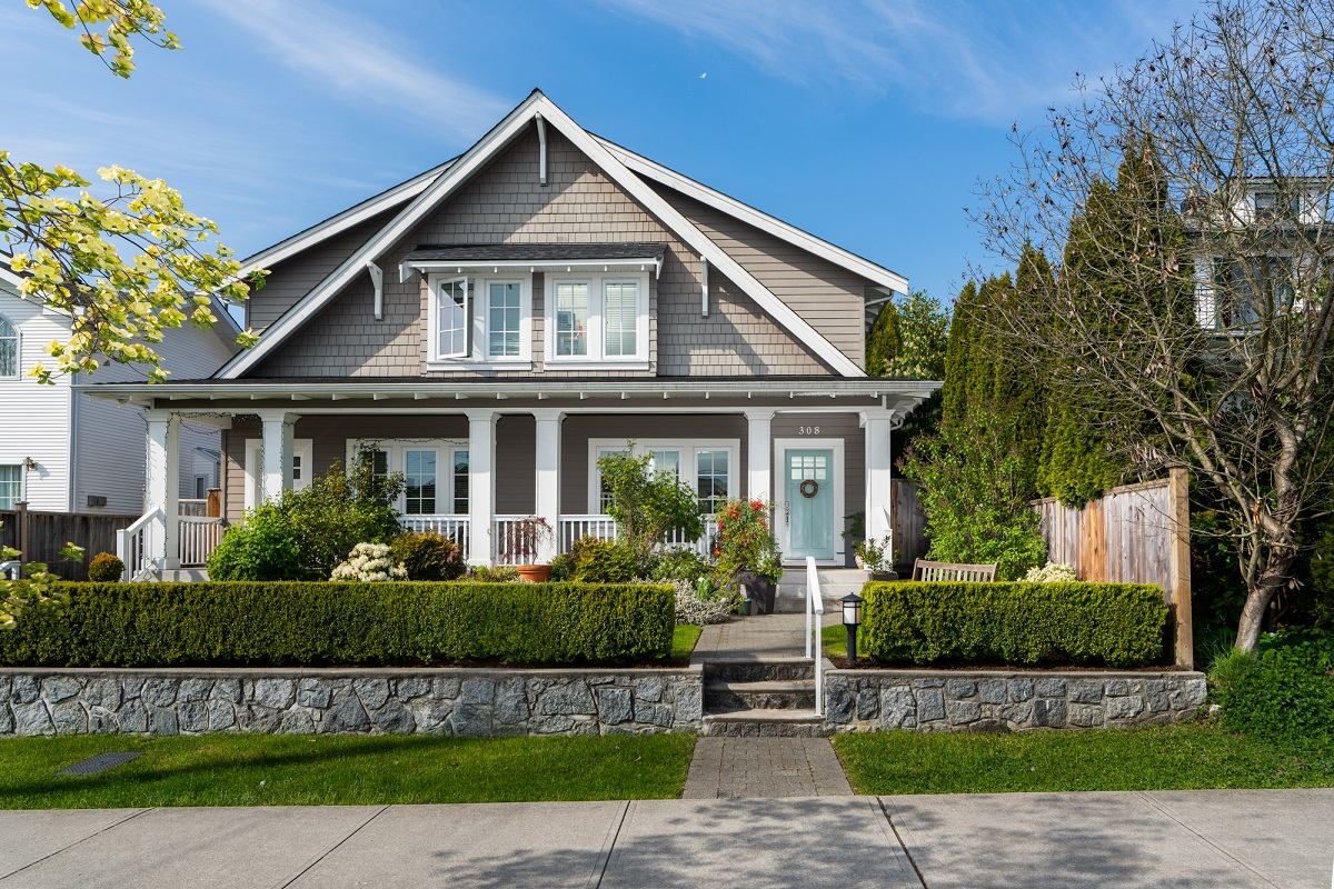 Central Lonsdale House for sale:  4 bedroom 2,687 sq.ft. (Listed 2018-04-30)