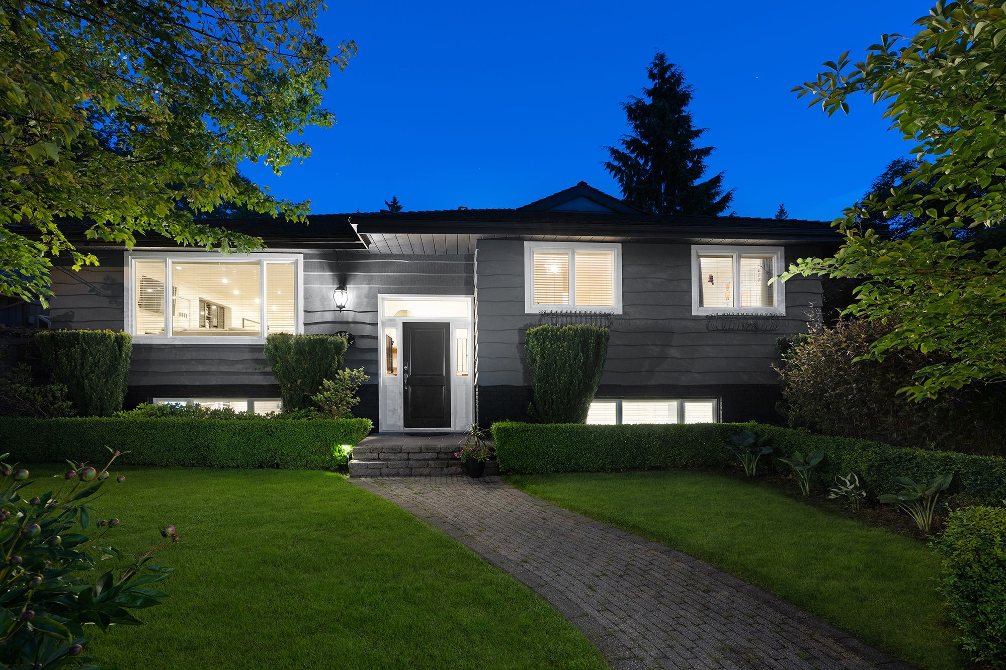 North Vancouver House for sale:  5 bedroom 2,906 sq.ft. (Listed 2020-05-26)