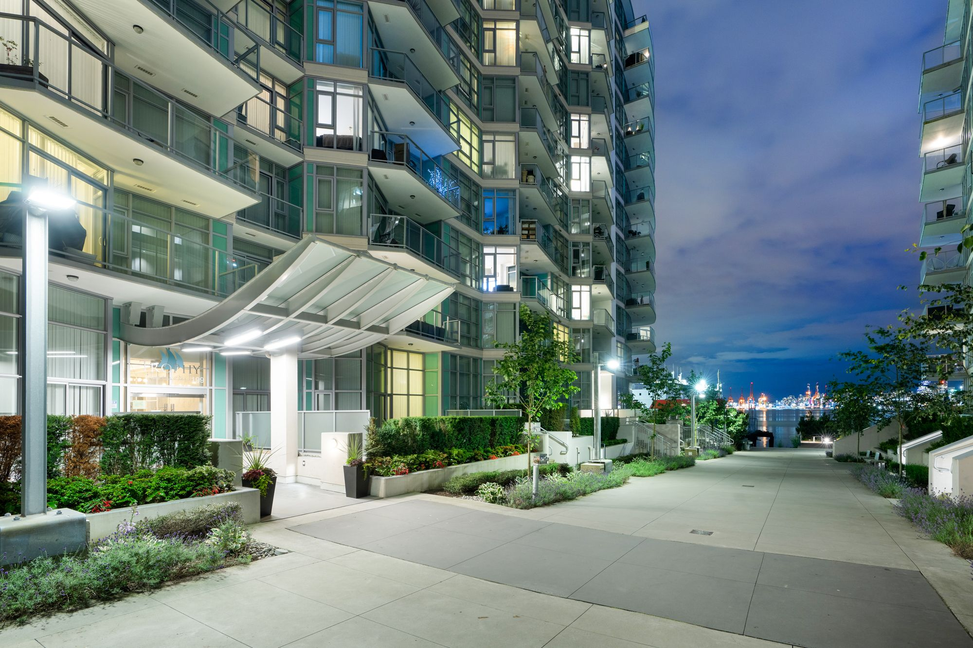 Lower Lonsdale Condo for sale:  3 bedroom 1,446 sq.ft. (Listed 2020-11-11)
