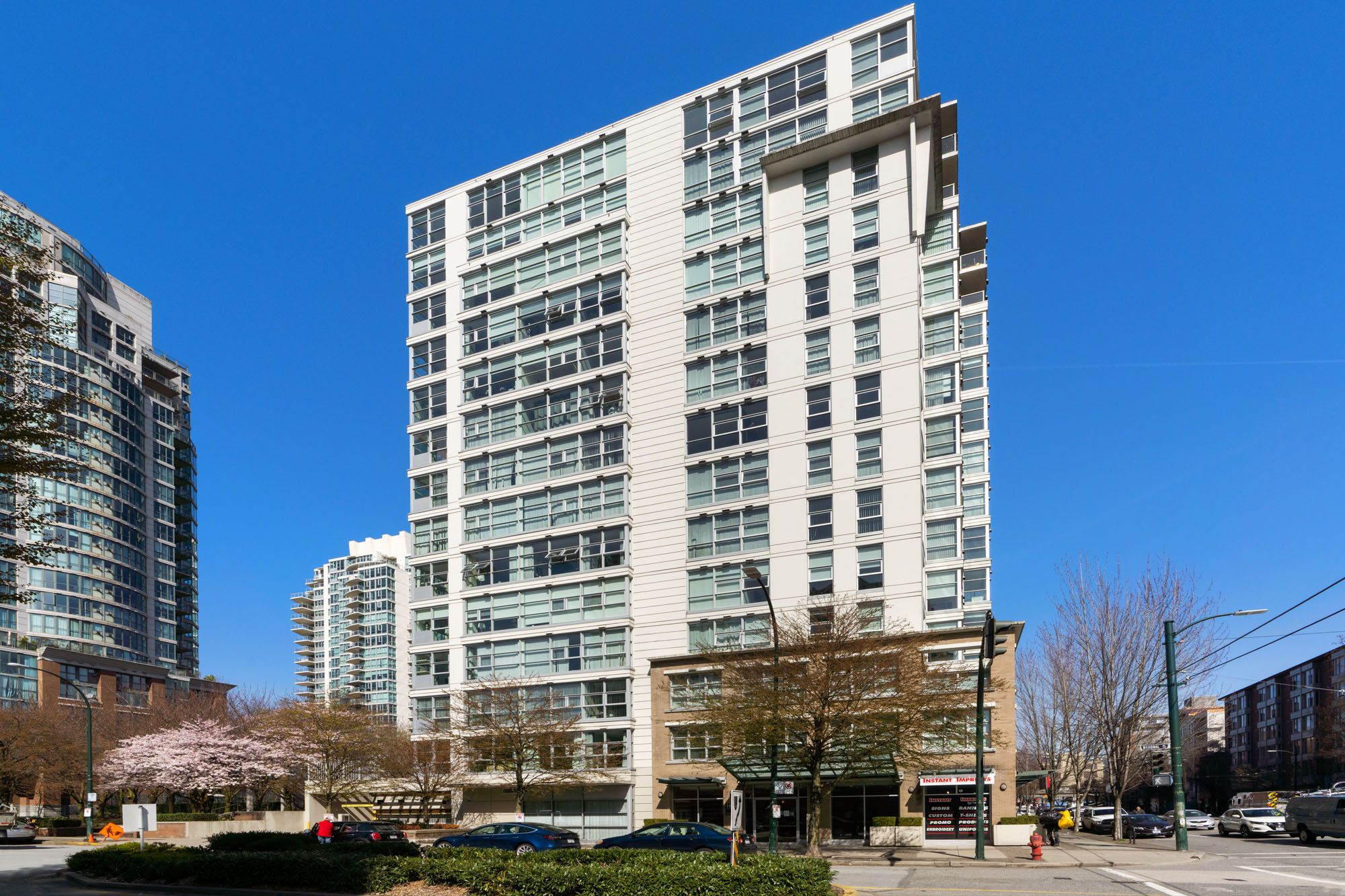 Vancouver Apartment/Condo for sale:  2 bedroom 867 sq.ft. (Listed 2021-04-01)