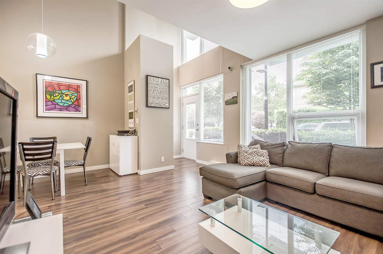 Central Lonsdale Townhouse for sale:  1 bedroom 916 sq.ft. (Listed 2017-06-26)