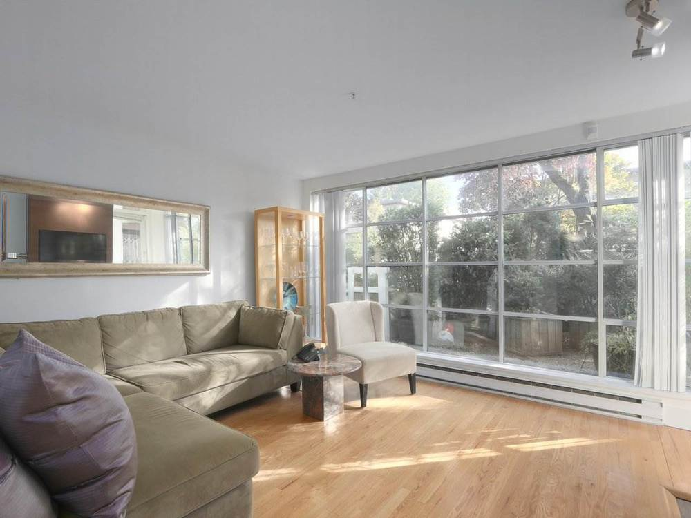Kitsilano Condo For Sale 1 Bedroom 800 Sq Ft Listed 2019 10 18