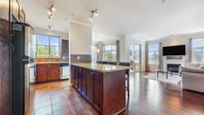 Central Pt Coquitlam Apartment/Condo for sale:  2 bedroom 1,193 sq.ft. (Listed 2020-08-31)
