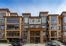 Mid Meadows Apartment/Condo for sale:  2 bedroom 910 sq.ft. (Listed 2020-07-06)