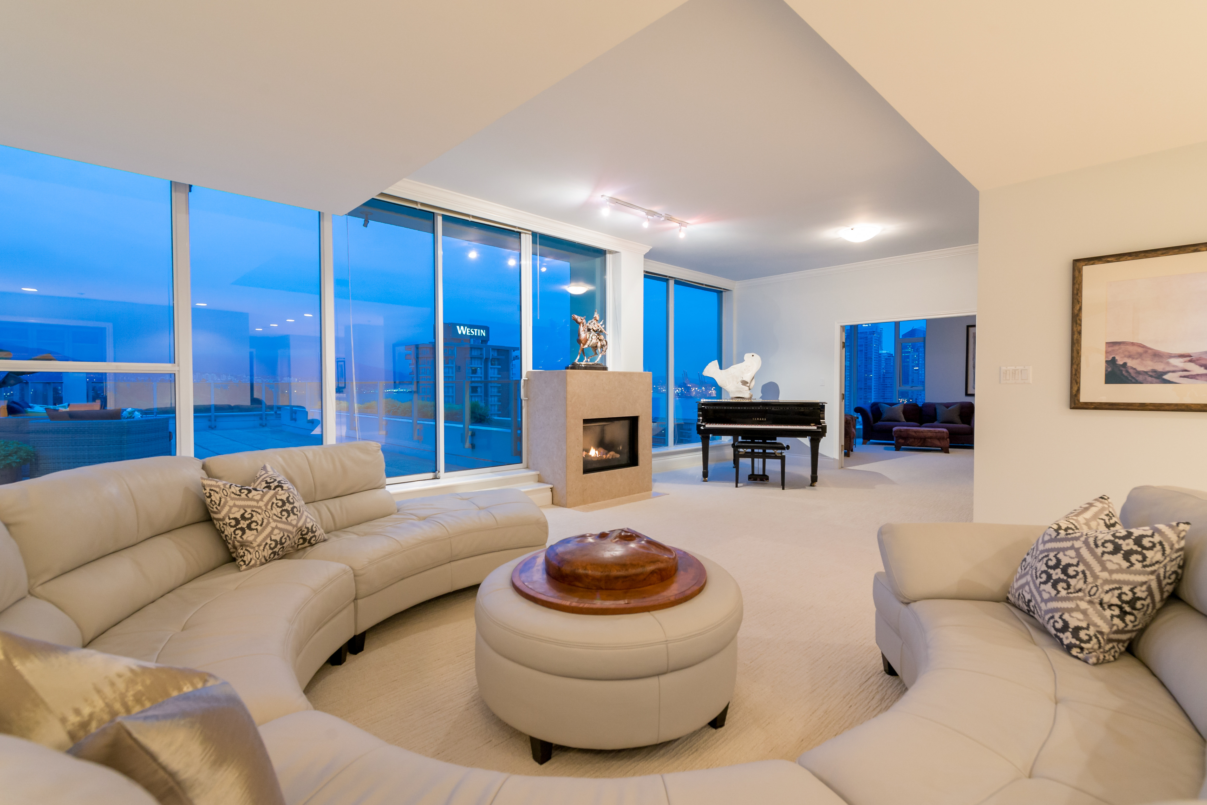 Coal Harbour Condo for sale: 1717 Bayshore 4 bedroom  Stainless Steel Appliances, Granite Countertop, Plush Carpet 4,903 sq.ft. (Listed 2015-05-20)