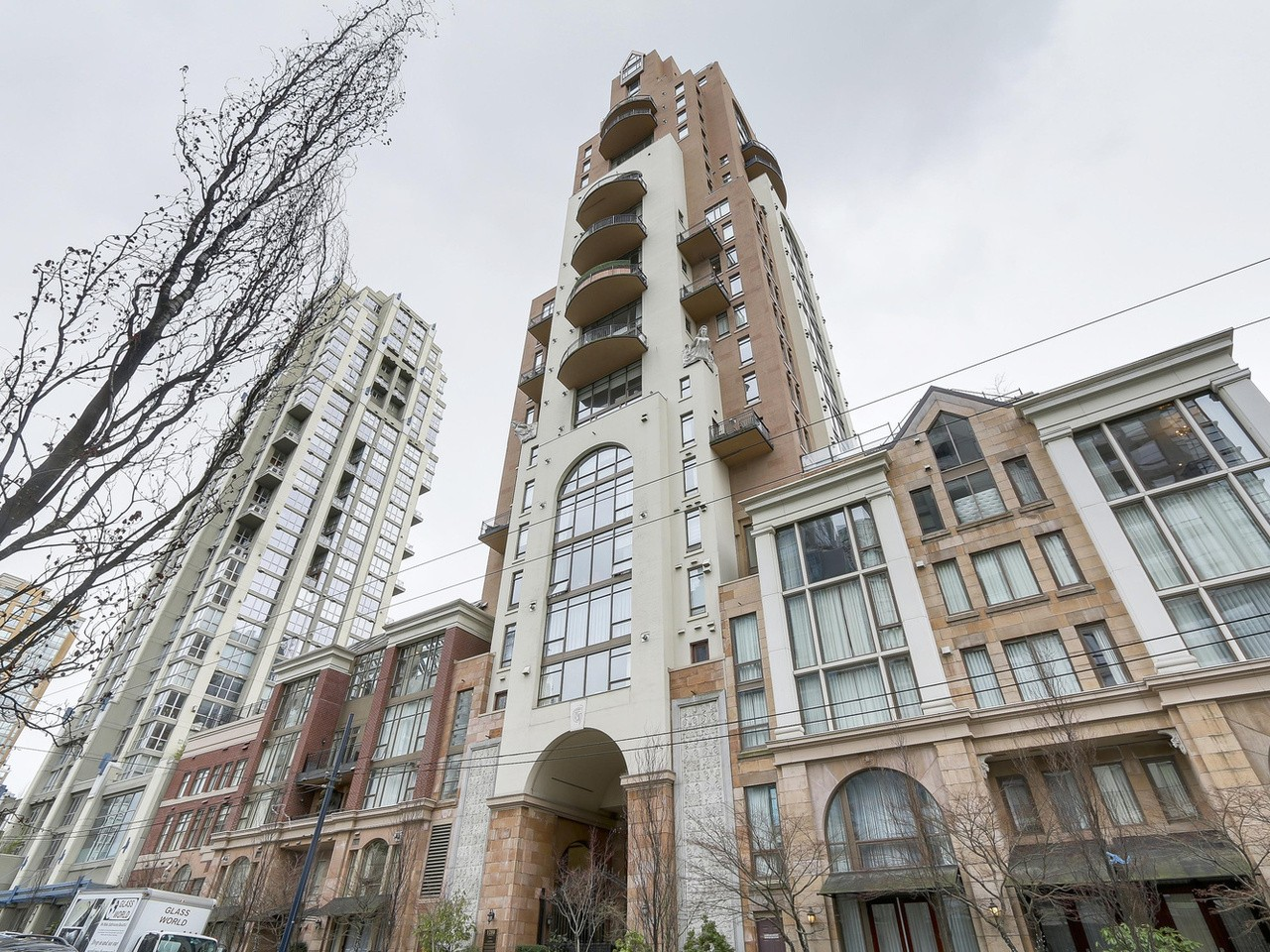 Yaletown Condo for sale:  1 bedroom 970 sq.ft. (Listed 2018-03-13)