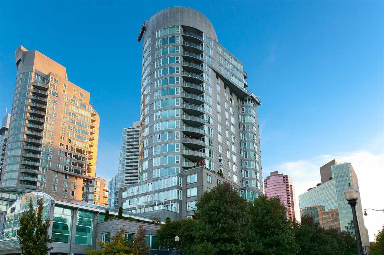 Coal Harbour Apartment/Condo for sale:  1 bedroom 681 sq.ft. (Listed 2020-10-20)