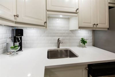 Fairview VW Condo for sale:  2 bedroom 913 sq.ft. (Listed 2020-05-16)