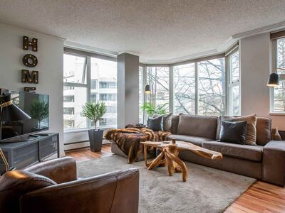False Creek Apartment/Condo for sale:  2 bedroom 1,368 sq.ft. (Listed 2020-09-22)