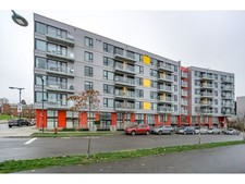 Southeast False Creek Townhouse for sale: Canvas 2 bedroom 895 sq.ft. (Listed 2017-11-29)