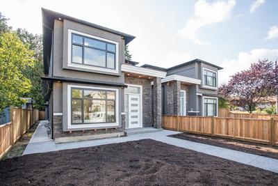 Highgate 1/2 Duplex for sale:  4 bedroom 1,953 sq.ft. (Listed 2019-09-25)