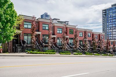Downtown  Townhouse for sale: BRICKSTONE WALK 2 bedroom 921 sq.ft. (Listed 2020-05-11)
