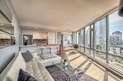 Downtown VW Condo for sale:  2 bedroom 1,049 sq.ft. (Listed 2017-04-18)