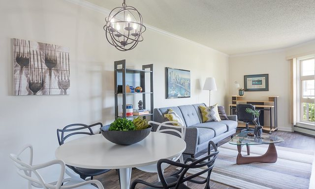 Lower Lonsdale Apartment for sale: Encore 1 bedroom 613 sq.ft. (Listed 2017-06-05)