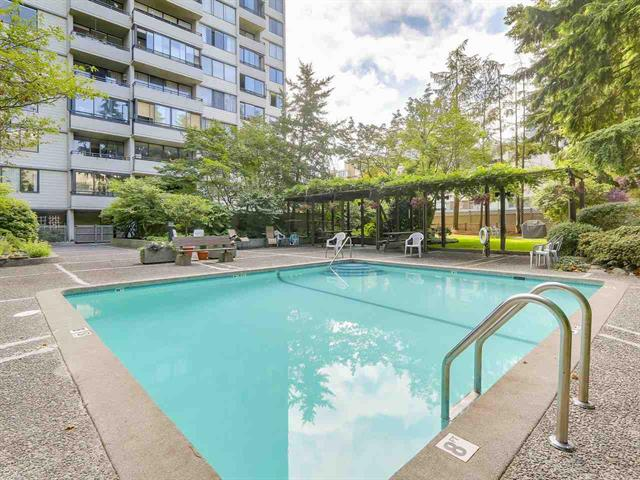 West End - West of Denman Apartment for sale: Huntington Place 2 bedroom 760 sq.ft. (Listed 2017-08-18)