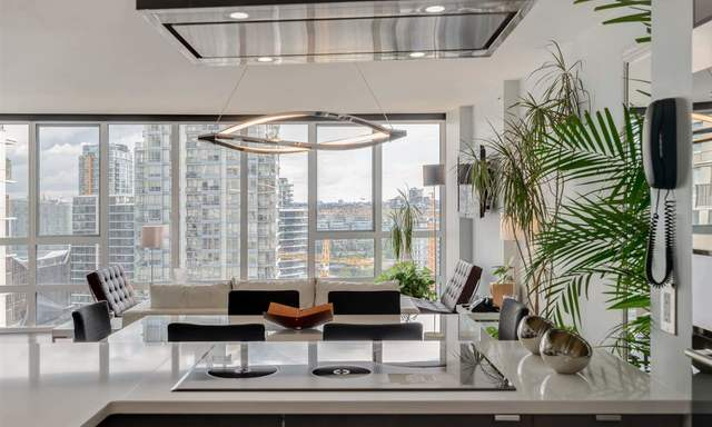 Yaletown - False Creek North Apartment for sale: Pacific Place Landmark 1 2 bedroom 1,103 sq.ft. (Listed 2018-02-22)