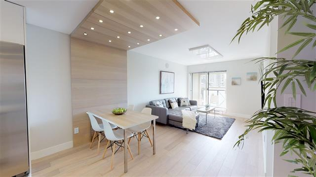 Lower Lonsdale Apartment for sale: Harbourside Terrace  1 bedroom 640 sq.ft. (Listed 2019-04-08)