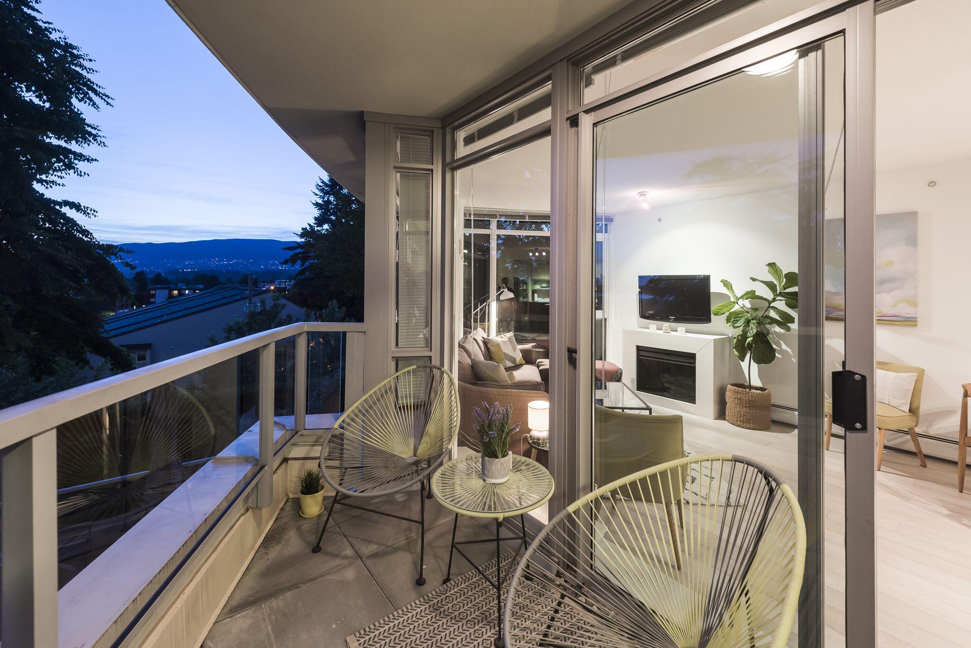 Lower Lonsdale Condo for sale: Ventana 2 bedroom  European Appliance, Hardwood Floors 1,114 sq.ft. (Listed 2019-07-15)