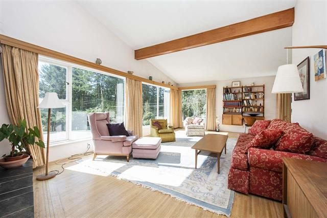 Upper Lonsdale House for sale:  4 bedroom 2,644 sq.ft. (Listed 2020-03-09)