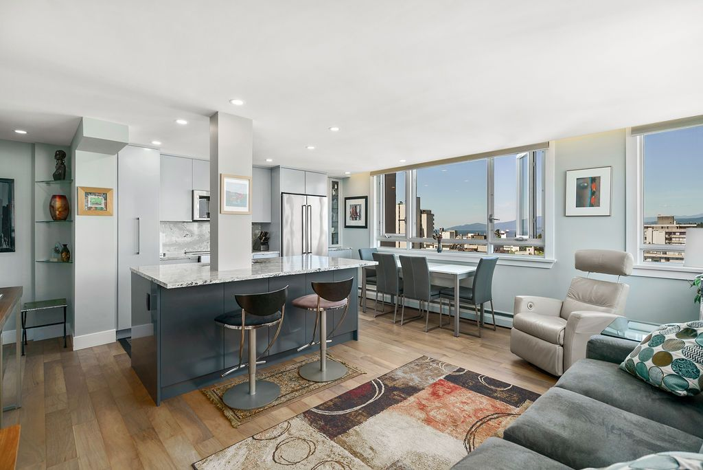 West End - West of Denman Apartment for sale: El Cid 1 bedroom Stainless Steel Appliances, European Appliance, Rain Shower, Glass Shower, Hardwood Floors 650 sq.ft. (Listed 2020-07-24)