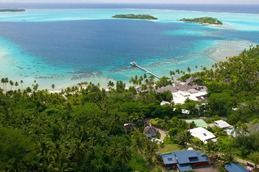 Bora Bora Ocean Front Estate for sale: Villa Faaopore  9+ 7,000 sq.ft. (Listed 2010-03-01)