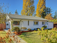 SE Lake Hill House for sale:  4 bedroom 1,386 sq.ft. (Listed 2017-10-31)