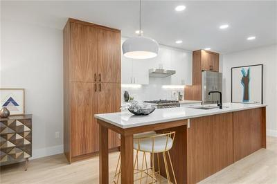 Bankview Condo for sale:  2 bedroom 880 sq.ft. (Listed 2019-08-19)