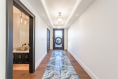 White Rock Condo for sale:  1 bedroom 1,740 sq.ft. (Listed 2018-12-11)