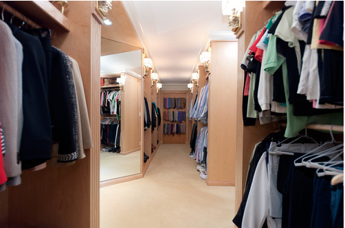 NW Walkin Closet.jpg