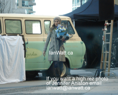 "Jennifer Aniston filming a new movie ""Traveling"" photos by Ian Watt"