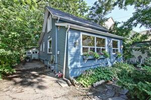 Port Credit Village Single Family Detached for sale: 2 bedroom (Listed 2016-08-03)