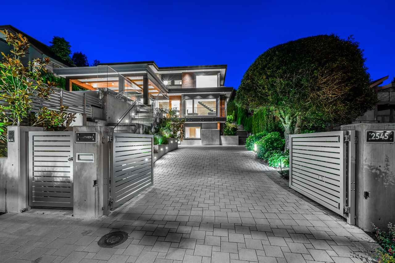 2545 MATHERS AVENUE West Vancouver