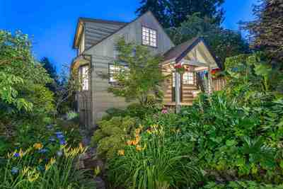 West Bay House for sale:  3 bedroom 2,026 sq.ft. (Listed 2016-07-10)