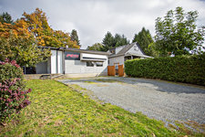 South Nanaimo Main Level Entry with Basement and 2nd Floor for sale:  4 bedroom 2,474 sq.ft. (Listed 2019-10-20)