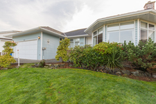 North Nanaimo 2 storey - Main Level Entry for sale:  3 bedroom 1,633 sq.ft. (Listed 2018-11-14)