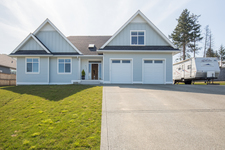 Parksville Rancher with bonus room for sale:  4 bedroom 2,305 sq.ft. (Listed 2019-03-28)