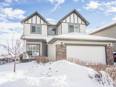 Westmount Okotoks Home For Sale: 5 Beds 3.5 Baths in a cul-de-sac!