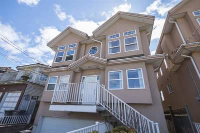 Hastings East House for sale:  7 bedroom 2,441 sq.ft. (Listed 2017-06-01)